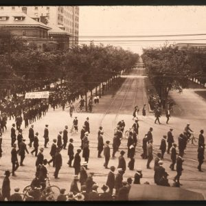 Pro-strike parade, turning north onto Main Street from Broadway Avenue on June 5, 1919. WCPI A1287-38529, UWA.